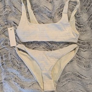 NWT Triangl Lorie Set
